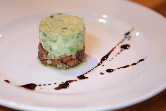 大豆ハムのサイコロステーキ、アボカドのバルサミコ和え